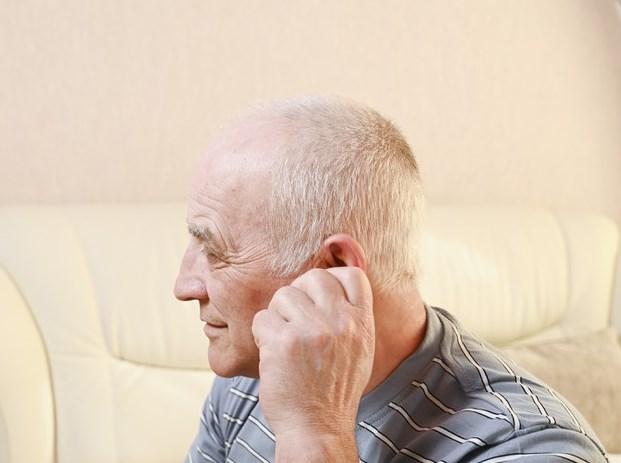 Предпосылки к снижению слуха в пожилом возрасте